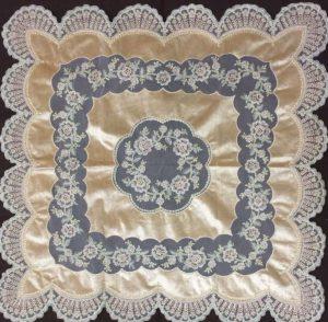 رومیزی مربع مخمل دانتل